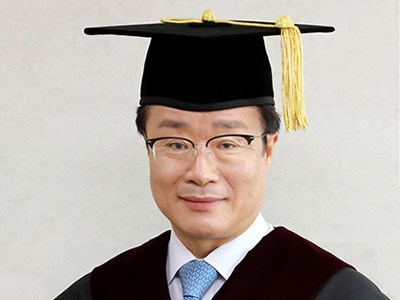 "President Jeong Welcomes New Students: ""Be a Righteous Person to Contribut..."
