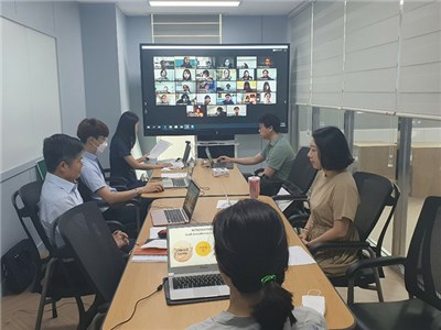 CNU's LEC Conducts Korean Language Classes for American Students